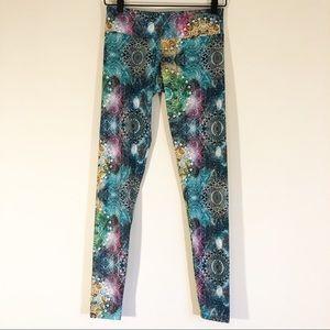 Onzie Multicolor Printed Leggings